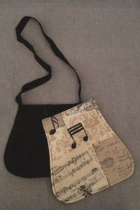 Messenger-Bag mit Wechselklappe 05